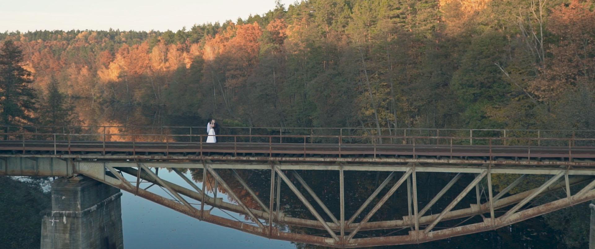 Film ślubny Magdaleny i Szymona w jesiennych kolorach – Świecie, Toruń